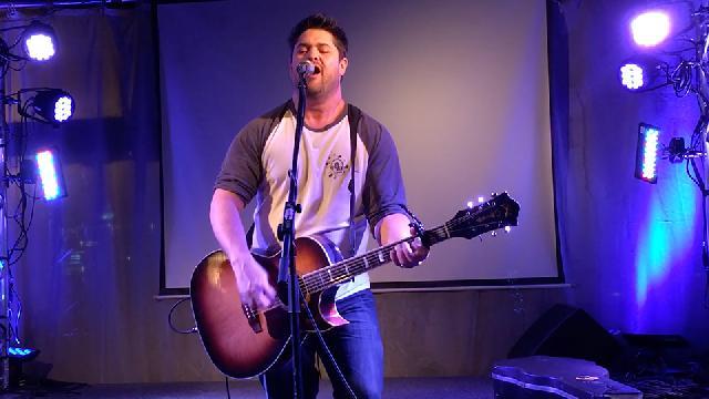 Nick Cloutier au Bar 4000 - Hommage aux chanteurs «badass»