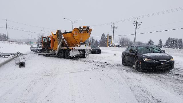 Collision entre une automobile et une déneigeuse en Beauce