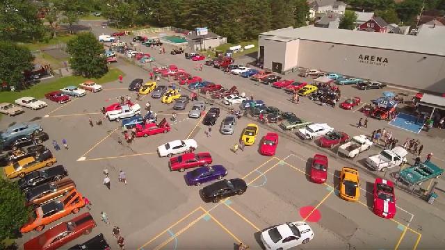 Expo d'auto Rétro à aujourd'hui