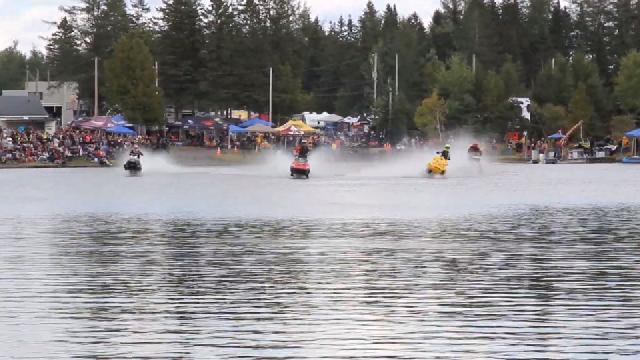 Motoneiges sur l'eau à Frampton - 11 septembre 2021 - v2